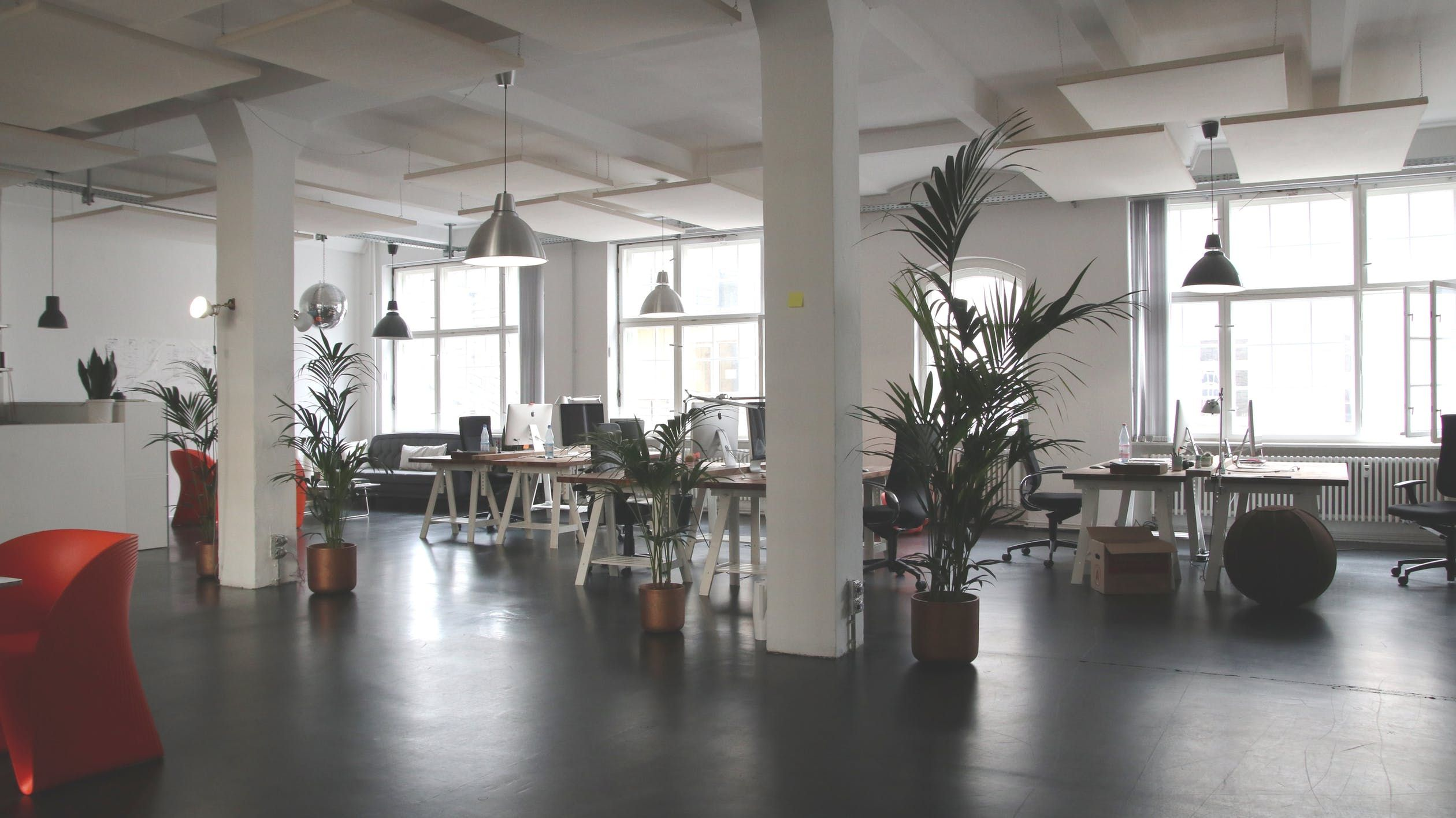 4 Signs You Should Replace Your Office Furniture