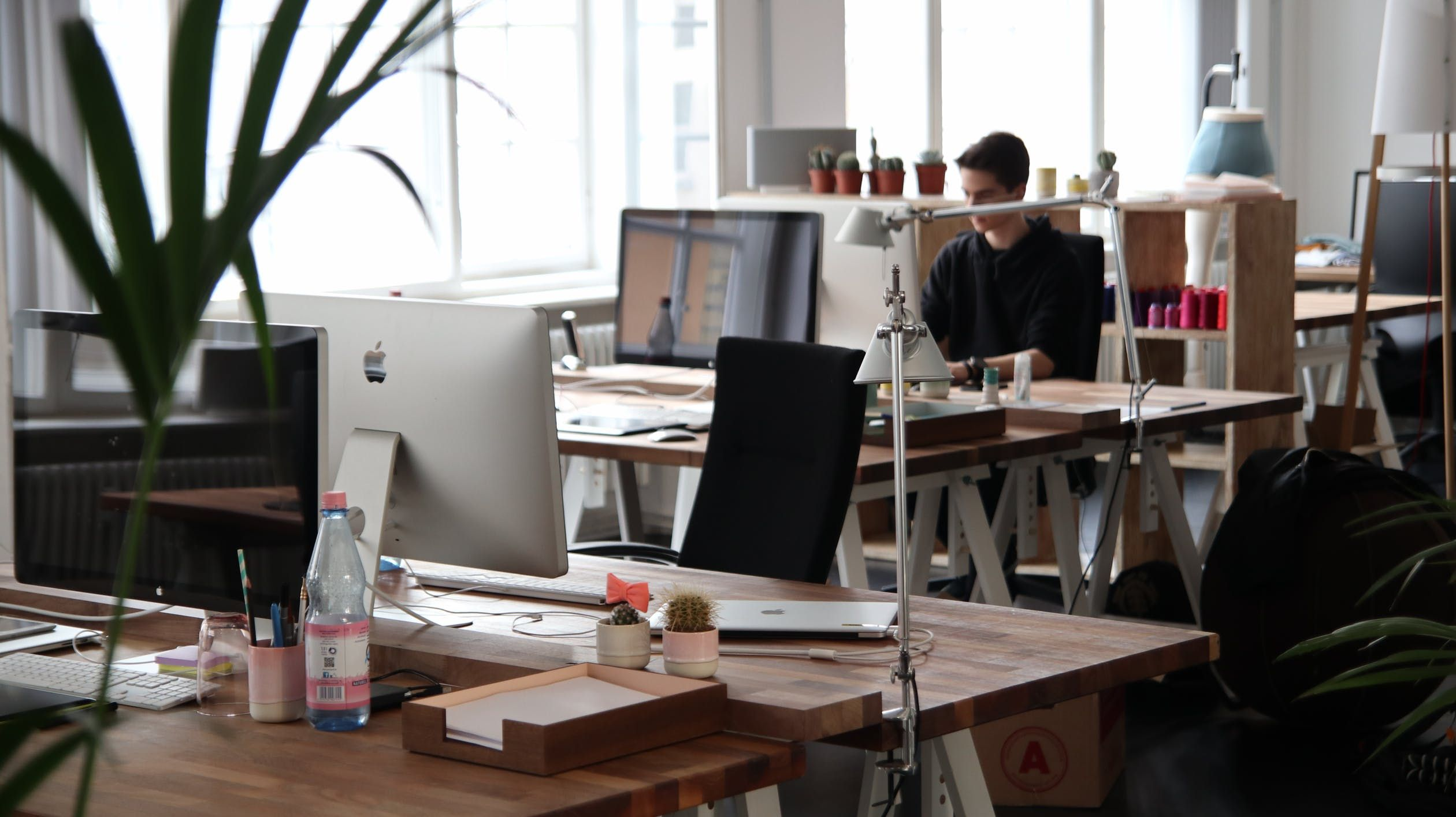 Should You Include Sit Stand Desks In Your Office Design?